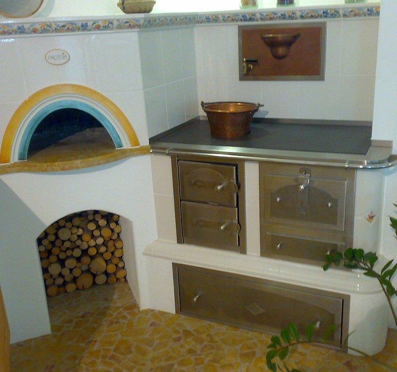 Produzione e vendita stube stufe in maiolica stufe su for Cucine economiche